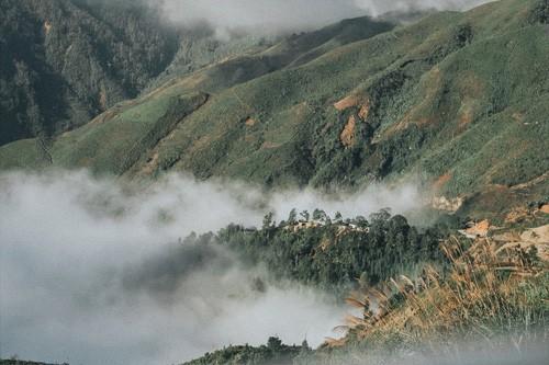 Vùng núi phía Bắc - mảnh đất đầy bí ẩn và mê hoặc chưa bao giờ thôi khiến các tín đồ du lịch cuồng chân - Ảnh 3.