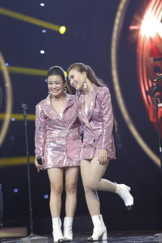 Nhạc hội song ca: Phương Trinh Jolie xác lập kỉ lục điểm số, dắt tay Lê Thiện Hiếu vào Chung kết! - Ảnh 3.