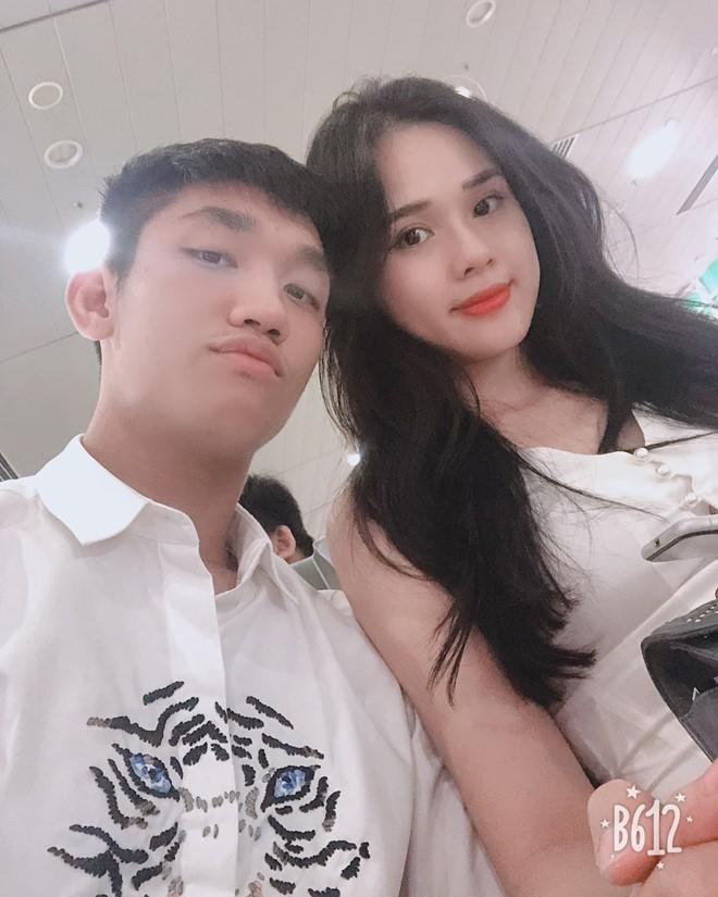 Visual điển trai của tuyển U23 Việt Nam Trọng Đại bất ngờ đăng ảnh công khai bên cạnh bạn gái tin đồn - Ảnh 2.