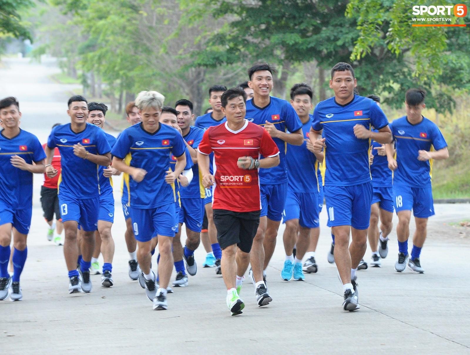 Indonesia lên tiếng sau sự cố Olympic Việt Nam phải tập trên sân bê tông - Ảnh 1.