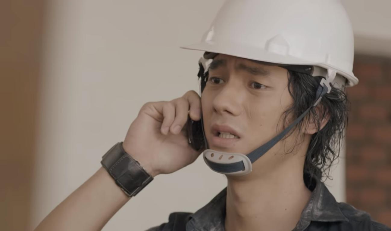 Tuổi trẻ của Tùng có quá nhiều mối bận tâm đến mức quên mất việc mình còn có một người để quan tâm