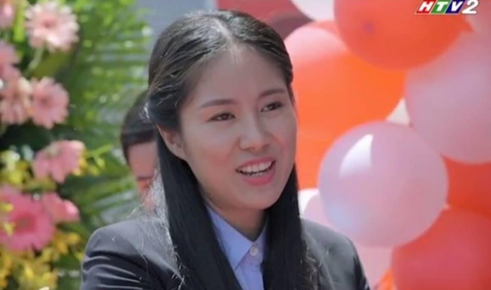 Hương trở thành chị chủ của một cửa hàng thời trang