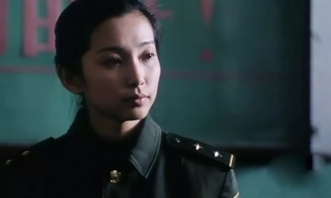 """Sau nhiều năm Lý Băng Băng vẫn giữ được vẻ đẹp sắc sảo """"như phút ban đầu""""."""