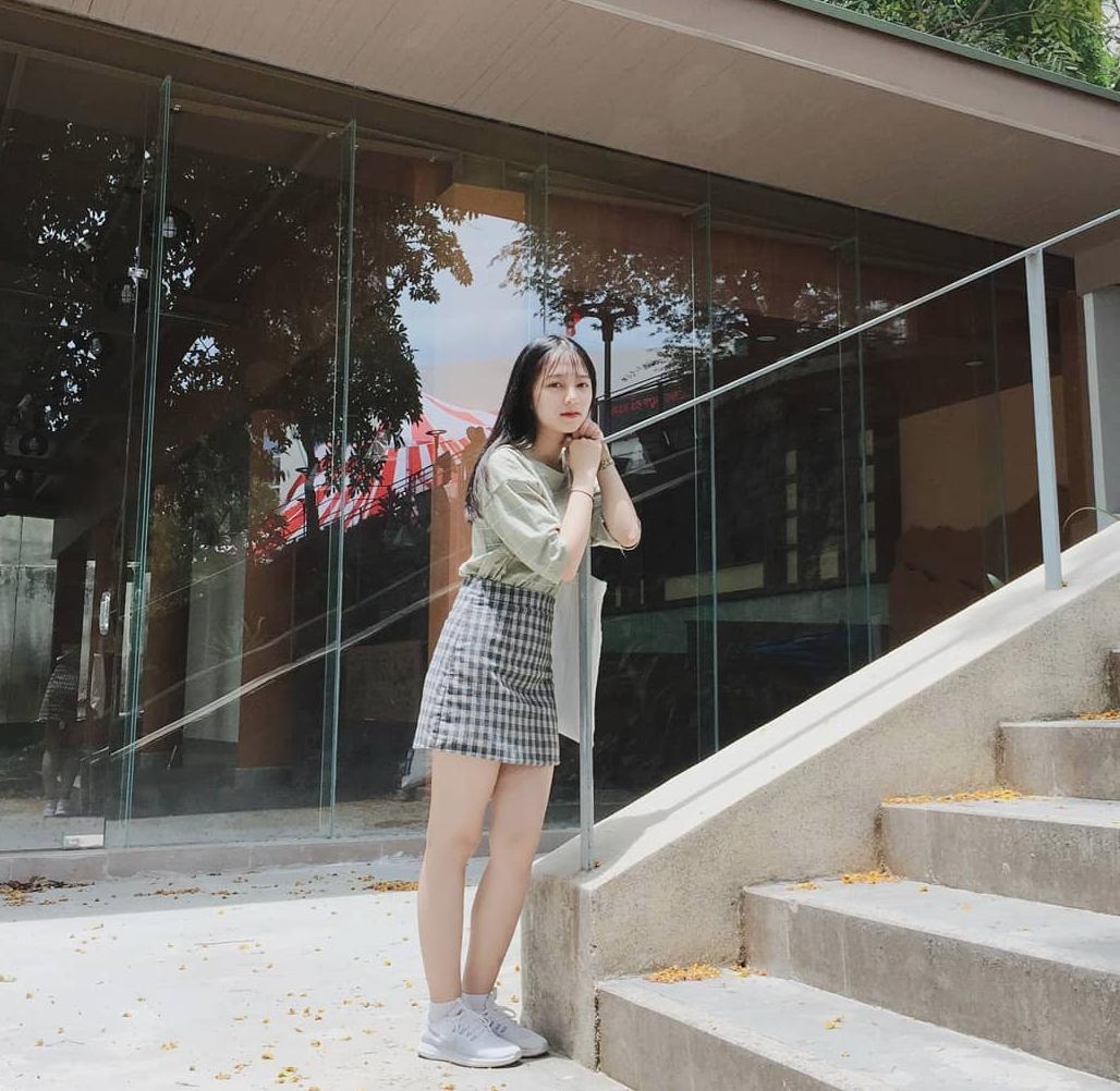 Chưa đến năm học mới, thiếu nữ Đà Nẵng đã gây sốt với bức ảnh diện áo dài xinh đẹp hơn nắng mai - Ảnh 3.