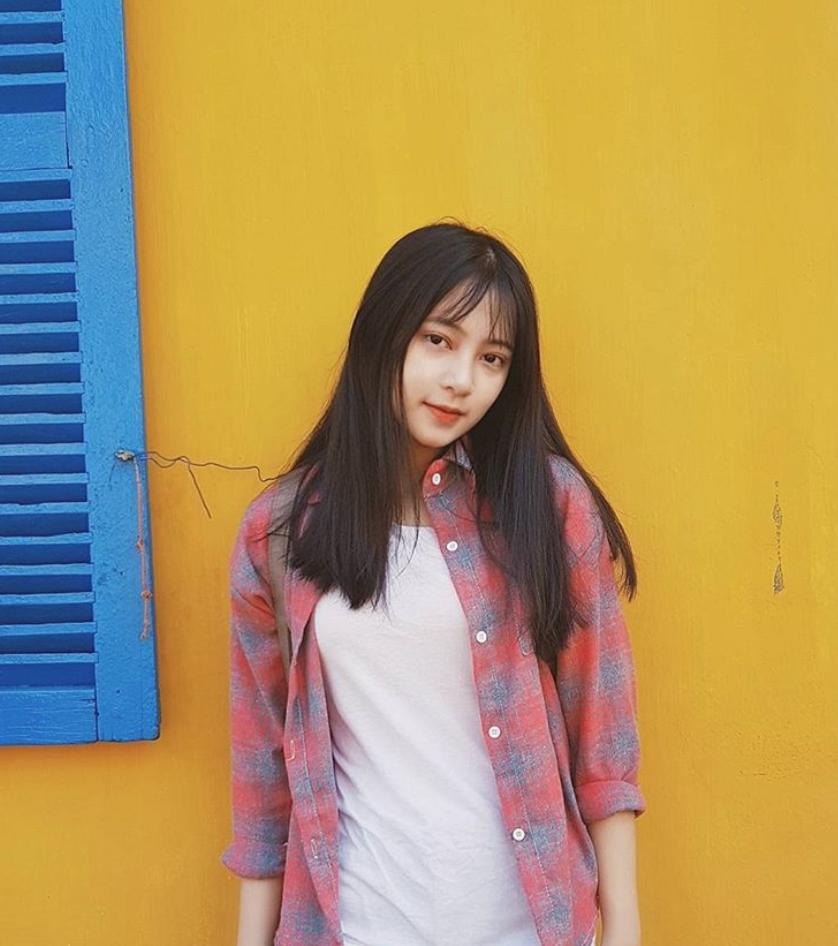 Chưa đến năm học mới, thiếu nữ Đà Nẵng đã gây sốt với bức ảnh diện áo dài xinh đẹp hơn nắng mai - Ảnh 4.