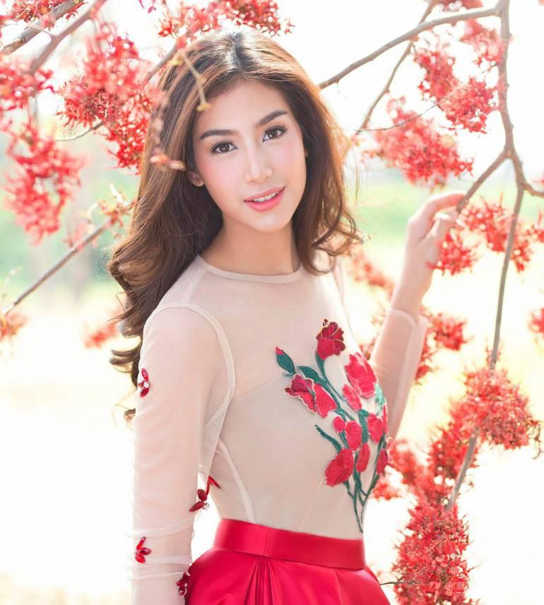 Đâu chỉ Hàn Quốc, showbiz Thái cũng có hội chị đẹp: Đã toàn mỹ nhân quyền lực và sang chảnh, lại còn chơi với nhau - Ảnh 12.