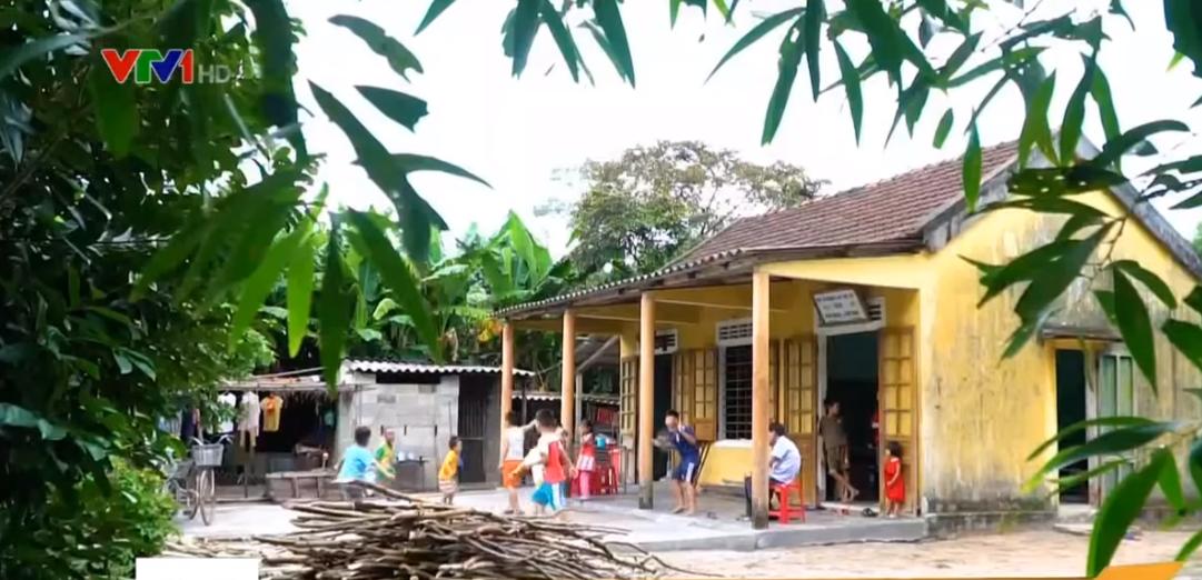 Lớp học hạnh phúc của thầy giáo nghèo ở Thừa Thiên Huế: Đôi chân không lành lặn dẫn bước những đứa trẻ vào đời - Ảnh 11.