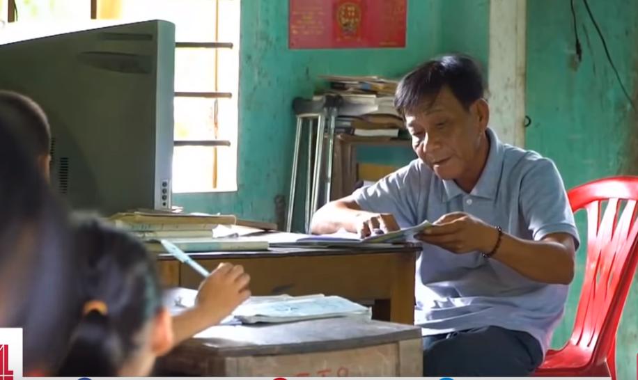 Lớp học hạnh phúc của thầy giáo nghèo ở Thừa Thiên Huế: Đôi chân không lành lặn dẫn bước những đứa trẻ vào đời - Ảnh 5.