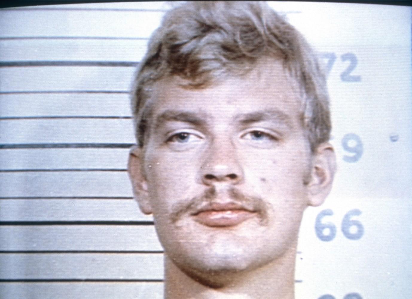 Đẹp trai thế này mà lại đi làm sát nhân, uổng phí quá Dahmer ơi !