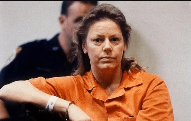 Ai có thể tin được người phụ nữ với gương mặt thân thiện như thế này lại là sát nhân hàng loạt Aileen Carol Wuornos?