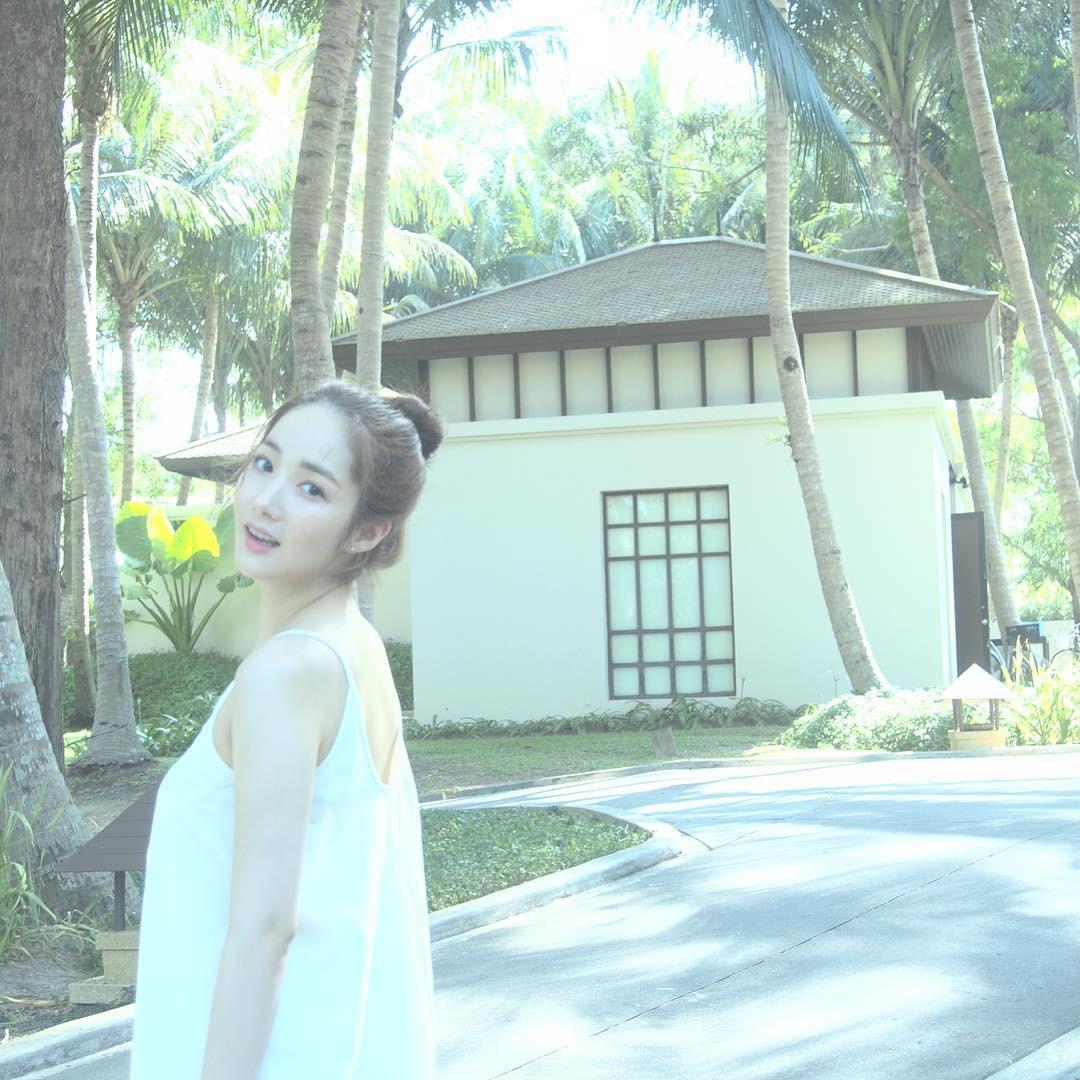 Đà Nẵng nổi lên như một địa điểm vàng, hàng loạt sao Hàn kéo nhau đến du lịch, chụp tạp chí ngày một đông - Ảnh 5.