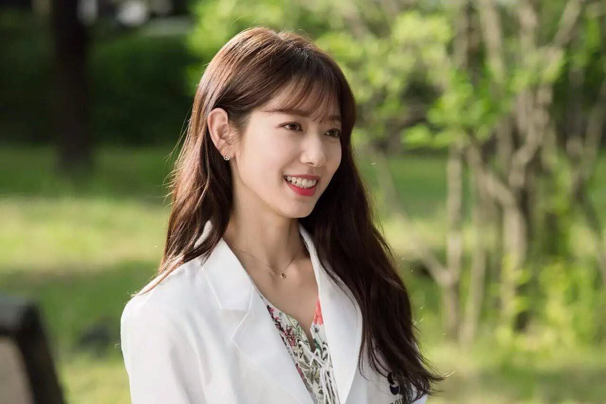Park Shin Hye ngày càng xinh đẹp, mạnh mẽ và bớt nghèo.