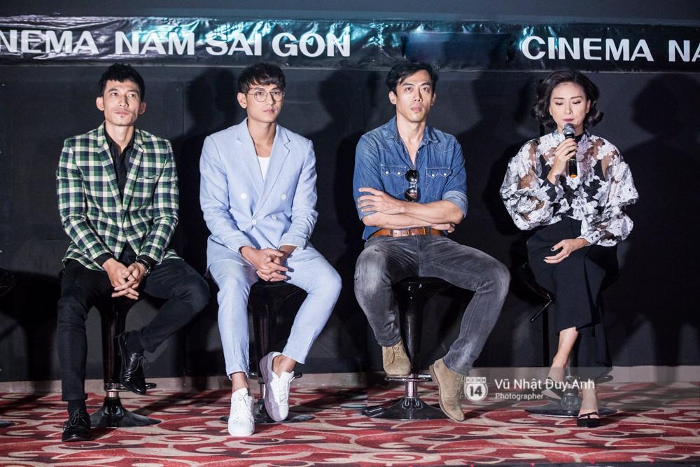 Ekip Song Lang giao lưu với truyền thông