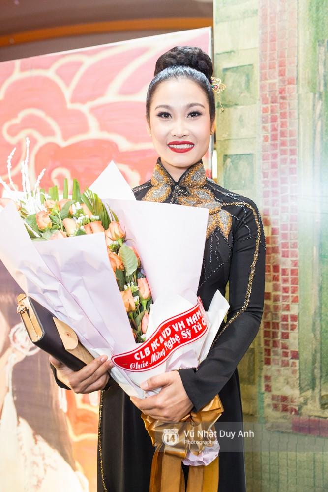 Nghệ sĩ Tú Quyên, đào hát với nhân vật của Isaac trong Phim