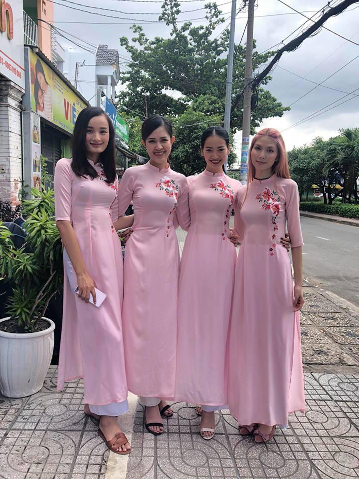 Vợ chồng Lê Thuý và dàn mẫu Next Top xuất hiện trong lễ đám hỏi của Tuyết Lan sáng nay - Ảnh 6.
