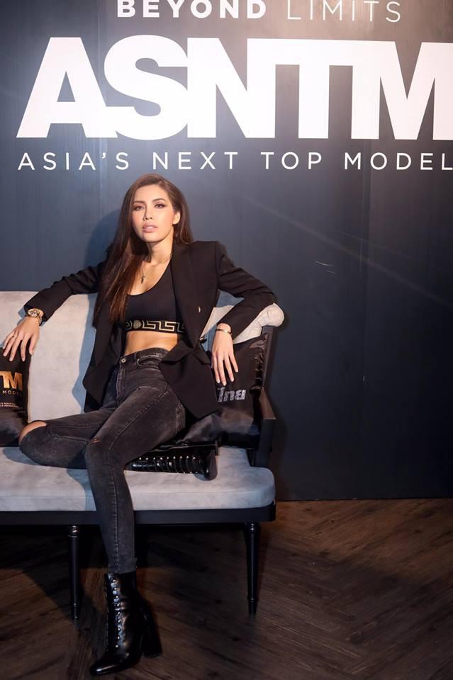 Minh Tú - Rima Thanh Vy cuối cùng cũng có bức hình chung tại họp báo Next Top châu Á - Ảnh 4.