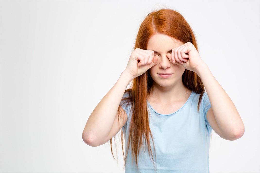 Những thói quen xấu gây ảnh hưởng nghiêm trọng đến thị lực mà nhiều người vẫn hay mắc phải - Ảnh 4.
