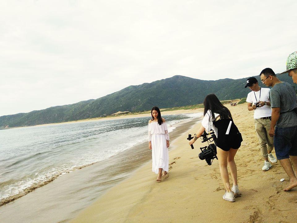 Và hiện tại cô nàng đang theo đoàn đến Phú Yên để thực hiện những cảnh quay còn thiếu