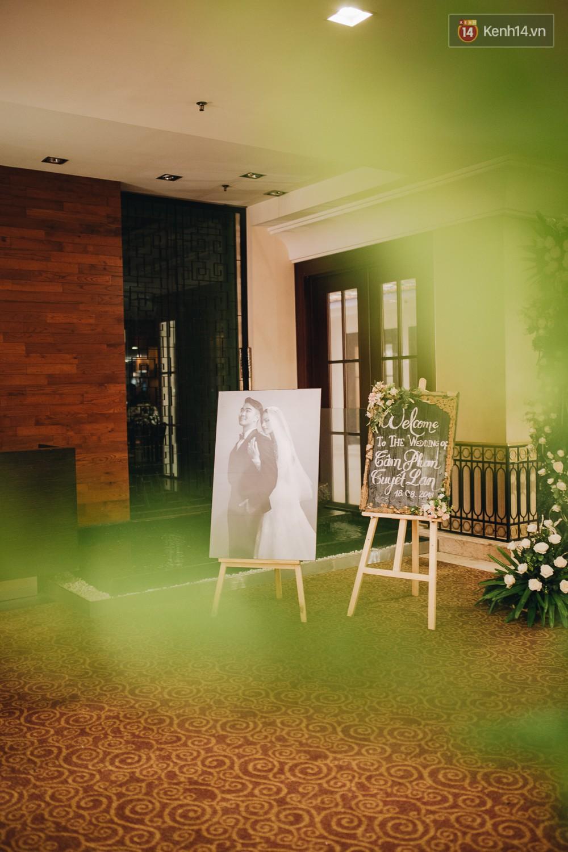 Không gian đám cưới sang trọng, tinh tế như một khu vườn cổ tích trong đám cưới của Tuyết Lan - Ảnh 13.