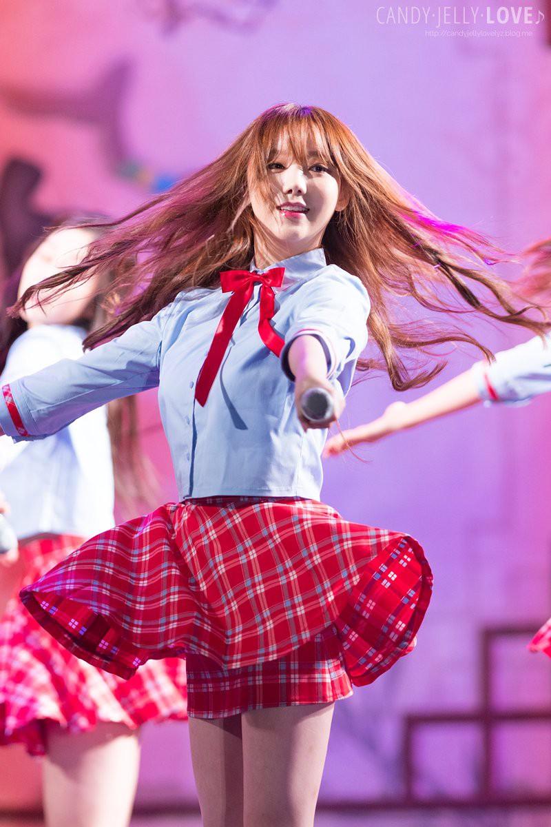 Khi stylist của Red Velvet bị ném đá không thương tiếc thì stylist của Lovelyz lại được khen hết lời vì tinh tế trong mọi hoàn cảnh - Ảnh 7.