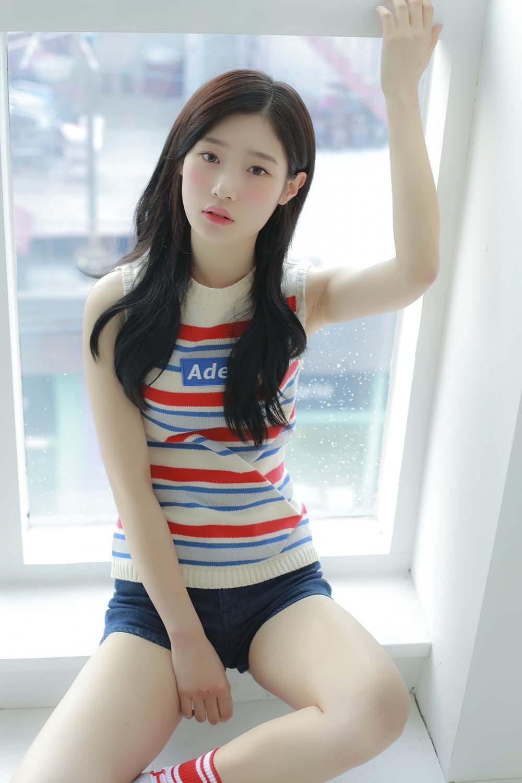 Sao Hàn dính nghi án cổ súy ấu dâm: Người chụp ảnh phản cảm, tình đầu và em gái quốc dân đều mất hình tượng - Ảnh 6.