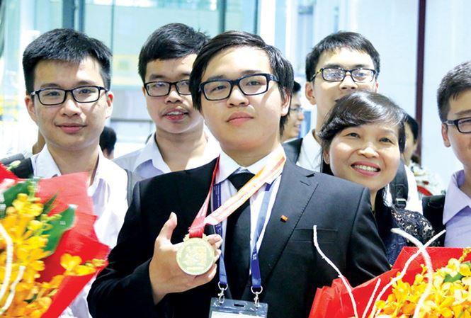 Những anh chàng trong mơ của các cô gái: Đẹp trai, 2 lần giành HCV Olympic Quốc tế, học thẳng lên Tiến sĩ không cần qua Thạc sĩ - Ảnh 7.
