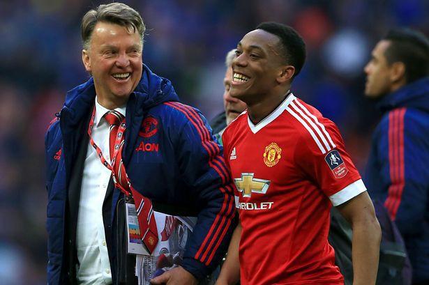 Anthony Martial: Con cưng của Van Gaal, con ghẻ của Mourinho - Ảnh 2.