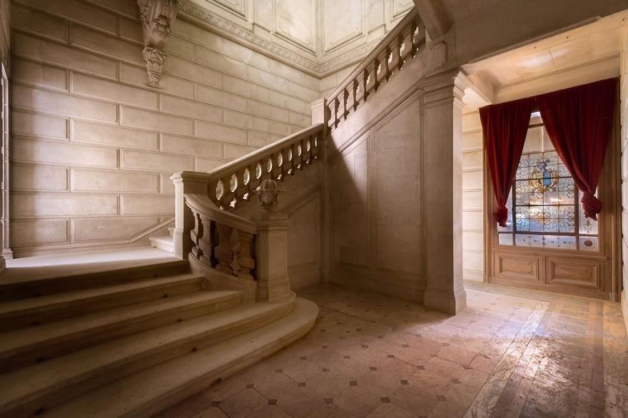 Cùng ngắm nhìn vẻ đẹp ma mị của 25 toà lâu đài và biệt thự bỏ hoang ở châu Âu - Ảnh 28.