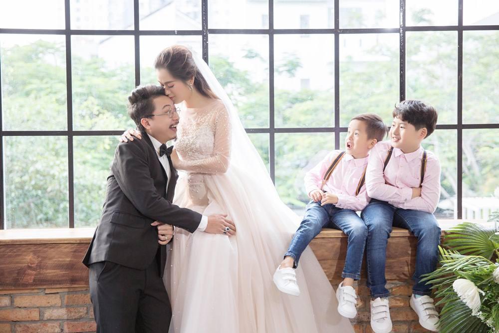 Vợ chồng Lâm Vỹ Dạ - Hứa Minh Đạt cưới lại từ đầu sau 8 năm chung sống hạnh phúc - Ảnh 8.