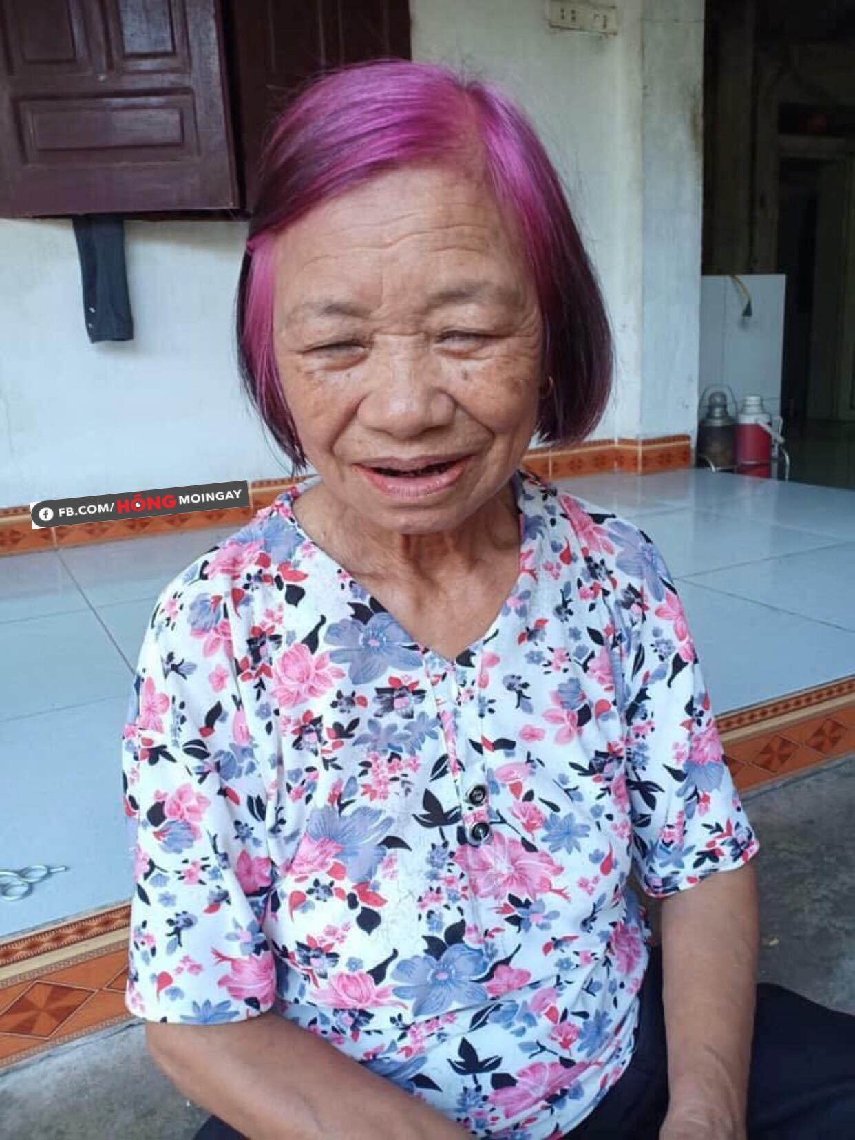 Cụ bà <span class='marker'>mang</span> mái tóc chất nhất MXH <span class='marker'>sở hữu</span> màu tím hồng <span class='marker'>mơ mộng</span> - Ảnh 2.