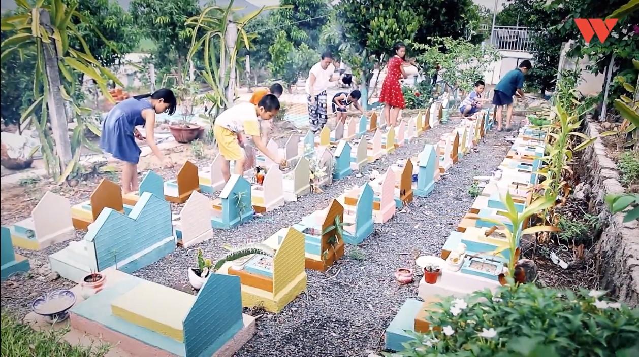 Chuyện xúc động về một người cha nghèo 14 năm chôn cất 20 nghìn hài nhi, cưu mang hàng trăm đứa bé mồ côi ở Nha Trang - Ảnh 7.