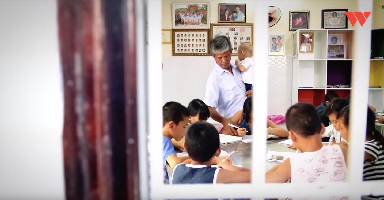Chuyện xúc động về một người cha nghèo 14 năm chôn cất 20 nghìn hài nhi, cưu mang hàng trăm đứa bé mồ côi ở Nha Trang - Ảnh 8.