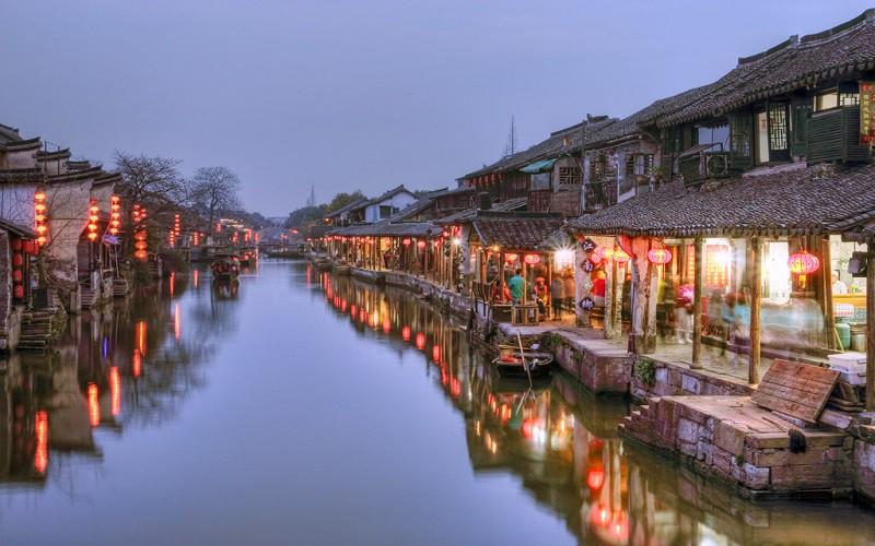 Bên cạnh Phượng Hoàng cổ trấn, Trung Quốc vẫn còn nhiều cổ trấn đẹp như tranh vẽ khác mà ai cũng muốn ghé thăm - Ảnh 14.