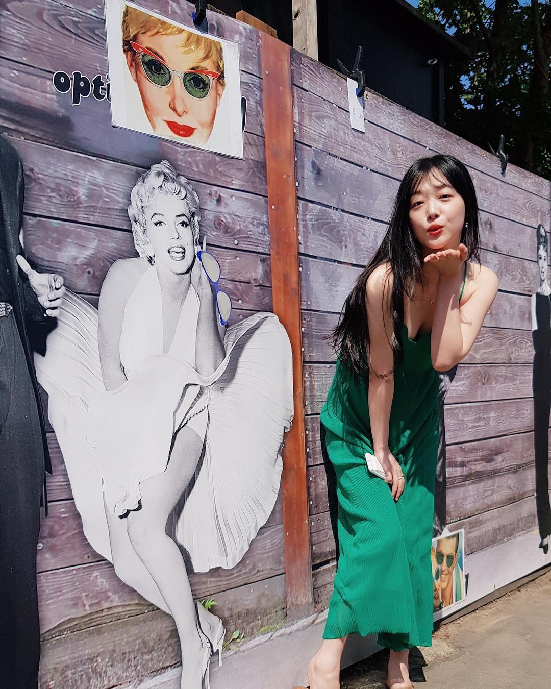 Sulli diện váy tươi tắn là vậy, nhìn sang Thẩm Nguyệt lại chỉ thấy bị dìm thảm thương - Ảnh 4.