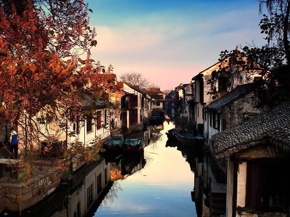 Bên cạnh Phượng Hoàng cổ trấn, Trung Quốc vẫn còn nhiều cổ trấn đẹp như tranh vẽ khác mà ai cũng muốn ghé thăm - Ảnh 2.