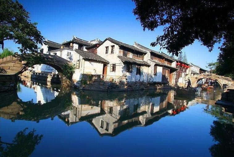 Bên cạnh Phượng Hoàng cổ trấn, Trung Quốc vẫn còn nhiều cổ trấn đẹp như tranh vẽ khác mà ai cũng muốn ghé thăm - Ảnh 3.