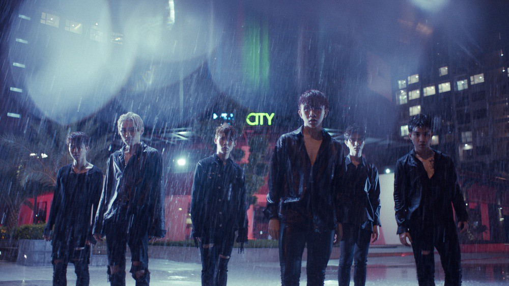 MV mới của Uni5 cán mốc triệu view sau 1 ngày, các thành viên hoang mang vì không ngờ fan lại thích đề tài đam mỹ - Ảnh 3.