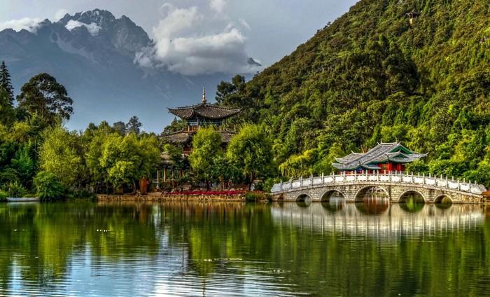 Bên cạnh Phượng Hoàng cổ trấn, Trung Quốc vẫn còn nhiều cổ trấn đẹp như tranh vẽ khác mà ai cũng muốn ghé thăm - Ảnh 6.