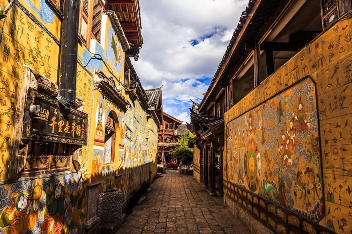 Bên cạnh Phượng Hoàng cổ trấn, Trung Quốc vẫn còn nhiều cổ trấn đẹp như tranh vẽ khác mà ai cũng muốn ghé thăm - Ảnh 7.
