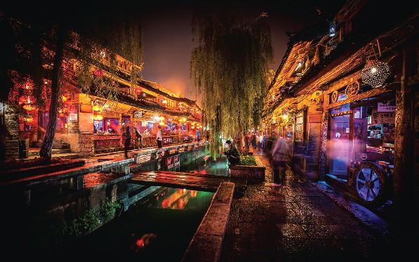 Bên cạnh Phượng Hoàng cổ trấn, Trung Quốc vẫn còn nhiều cổ trấn đẹp như tranh vẽ khác mà ai cũng muốn ghé thăm - Ảnh 8.