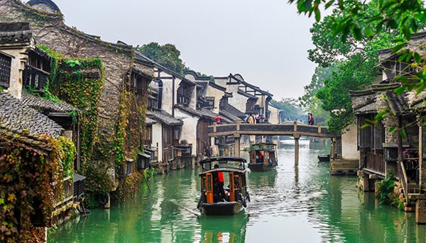 Bên cạnh Phượng Hoàng cổ trấn, Trung Quốc vẫn còn nhiều cổ trấn đẹp như tranh vẽ khác mà ai cũng muốn ghé thăm - Ảnh 12.