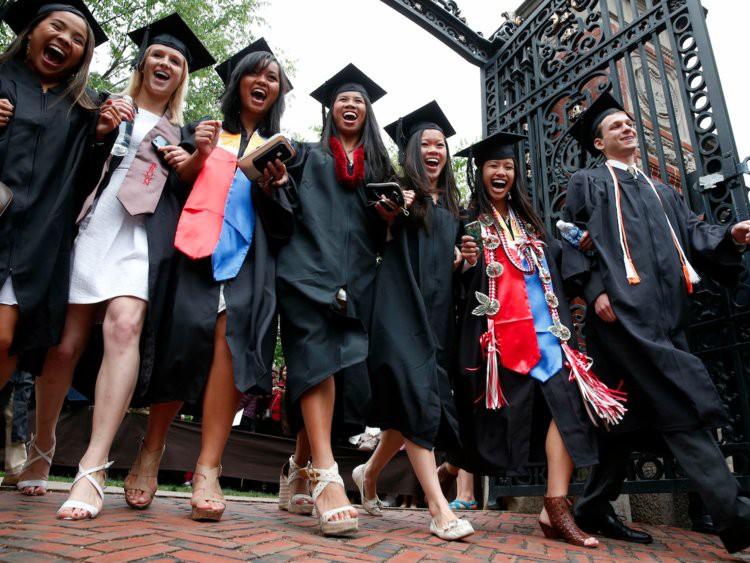 #TôiDuHọcMỹ: Muốn apply học bổng tiền tỷ của Đại học Mỹ, bạn nhất định phải biết về những kỳ thi chuẩn hóa này - Ảnh 4.