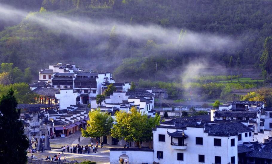 Bên cạnh Phượng Hoàng cổ trấn, Trung Quốc vẫn còn nhiều cổ trấn đẹp như tranh vẽ khác mà ai cũng muốn ghé thăm - Ảnh 10.