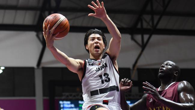 Bị đuổi khỏi ASIAD, 4 cầu thủ bóng rổ Nhật Bản mua dâm phải tự trả tiền vé máy bay về nước - Ảnh 1.