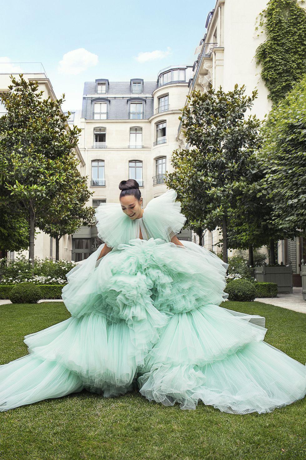 Crazy Rich Asians của đời thực: dự show thời trang từ năm 10 tuổi, mặc đồ Haute Couture như cơm bữa - Ảnh 3.