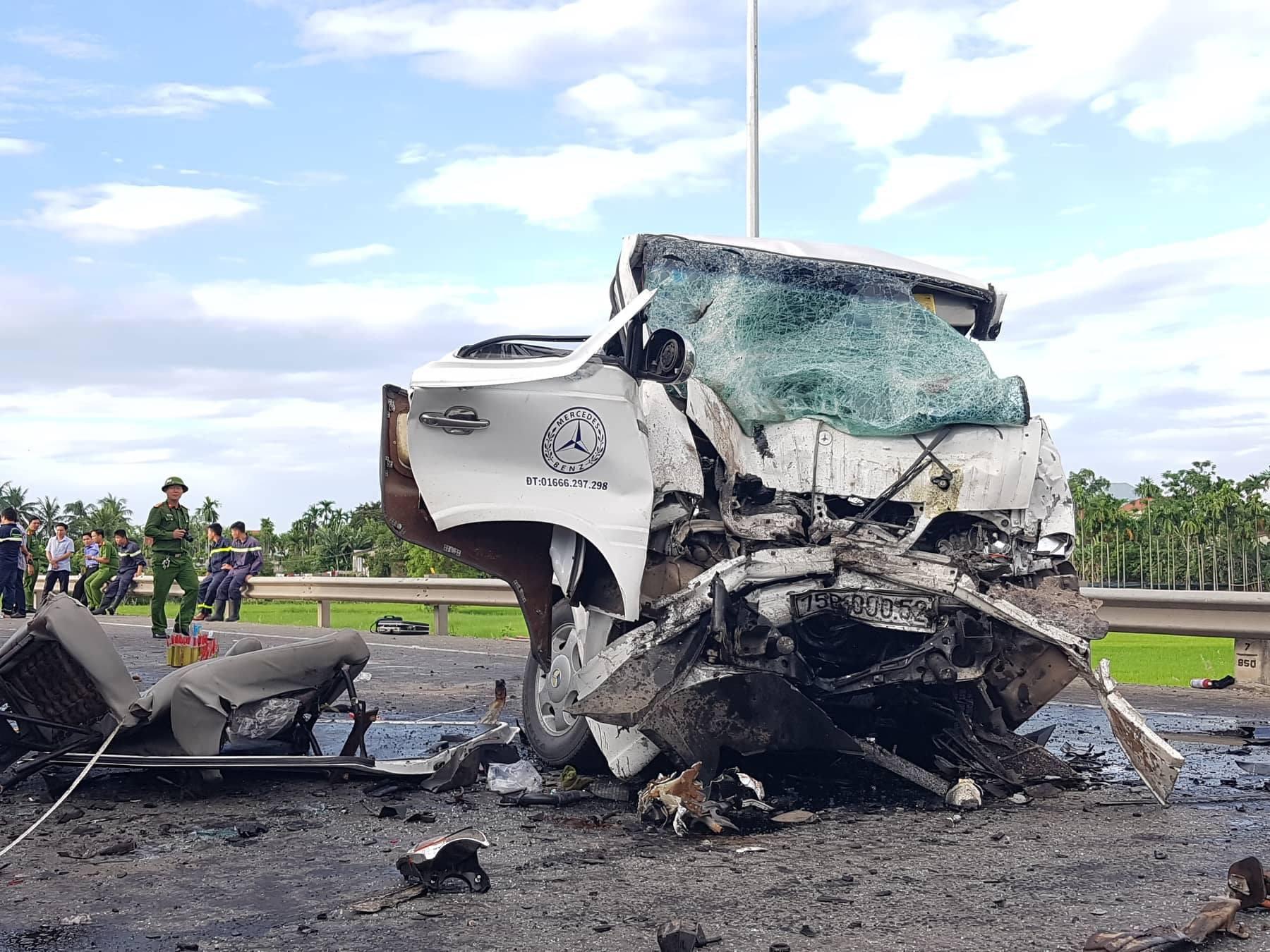 Trao thêm gần 2,5 tỉ đồng cho 4 bệnh nhân vụ tai nạn xe rước dâu khiến 17 người thương vong - Ảnh 4.