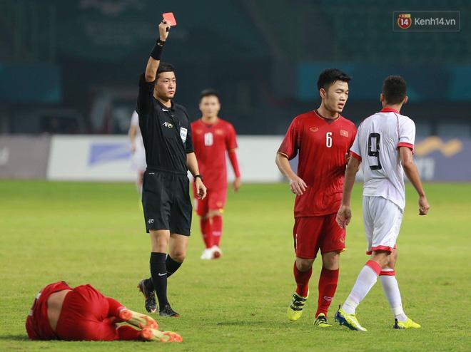 Info trọng tài người Trung Quốc đẹp trai nhất trận Việt Nam - Bahrain tối qua - Ảnh 2.