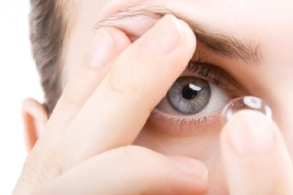 Cứ 3 người thì 1 người bị nhiễm trùng mắt do làm điều này