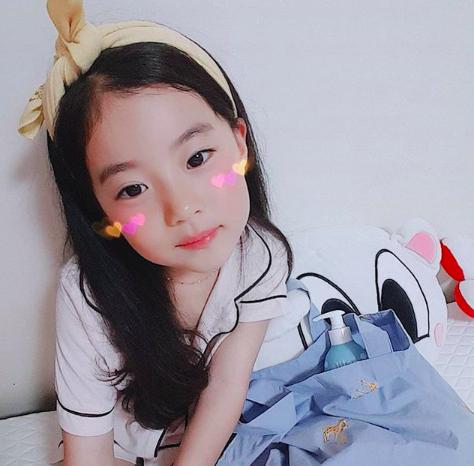 Cô bé Hàn Quốc gây bão vì clip nói không với người lạ ngày nào đã lớn và xinh xắn lắm rồi! - Ảnh 4.