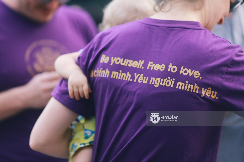 Ngày hội tự hào LGBTI+ Sài Gòn: Những khoảnh khắc đáng nhớ khi phố đi bộ Nguyễn Huệ rợp cờ cầu vồng - Ảnh 21.